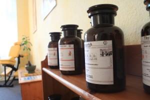 Kräutertherapie_AnPiMoMai_Aufbewahrungsflaschen